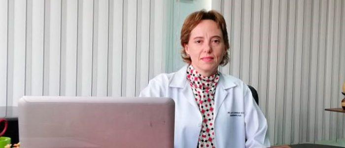 """""""La mejor manera de luchar es con el conocimiento"""". Entrevista a la Dra. María de los Ángeles Silva, gastroenteróloga y presidenta de la Sociedad de Gastroenterología capítulo Pichincha"""